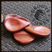 Groovy Tones - Padauk - 1 Guitar Pick | Timber Tones